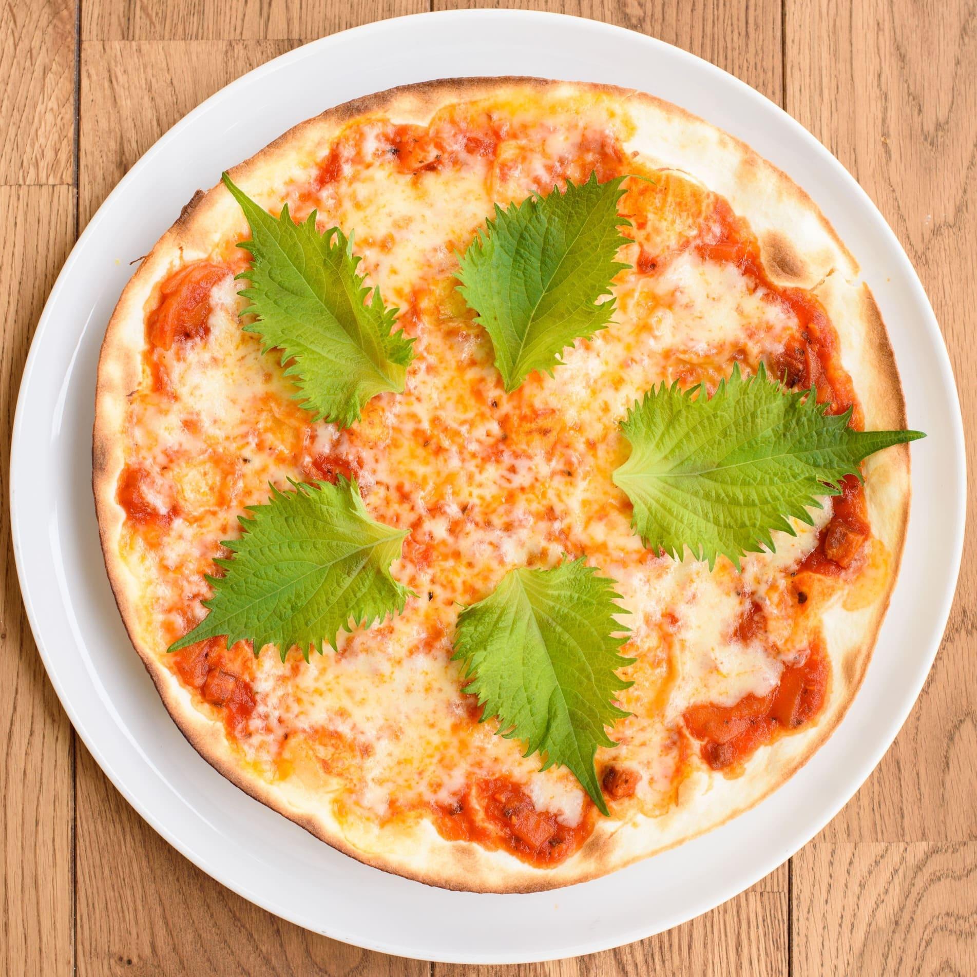 トマトソース/モッツァレラチーズ/大葉