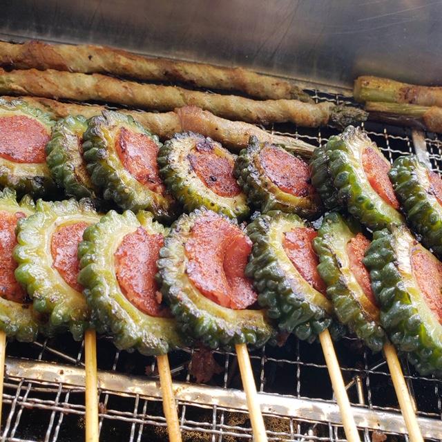 串ナカマ自慢の串焼きのお持ち帰りもOKです♪豚野菜巻き串、豚串、鳥串、牛串など約30種類ある串からお選びください!!