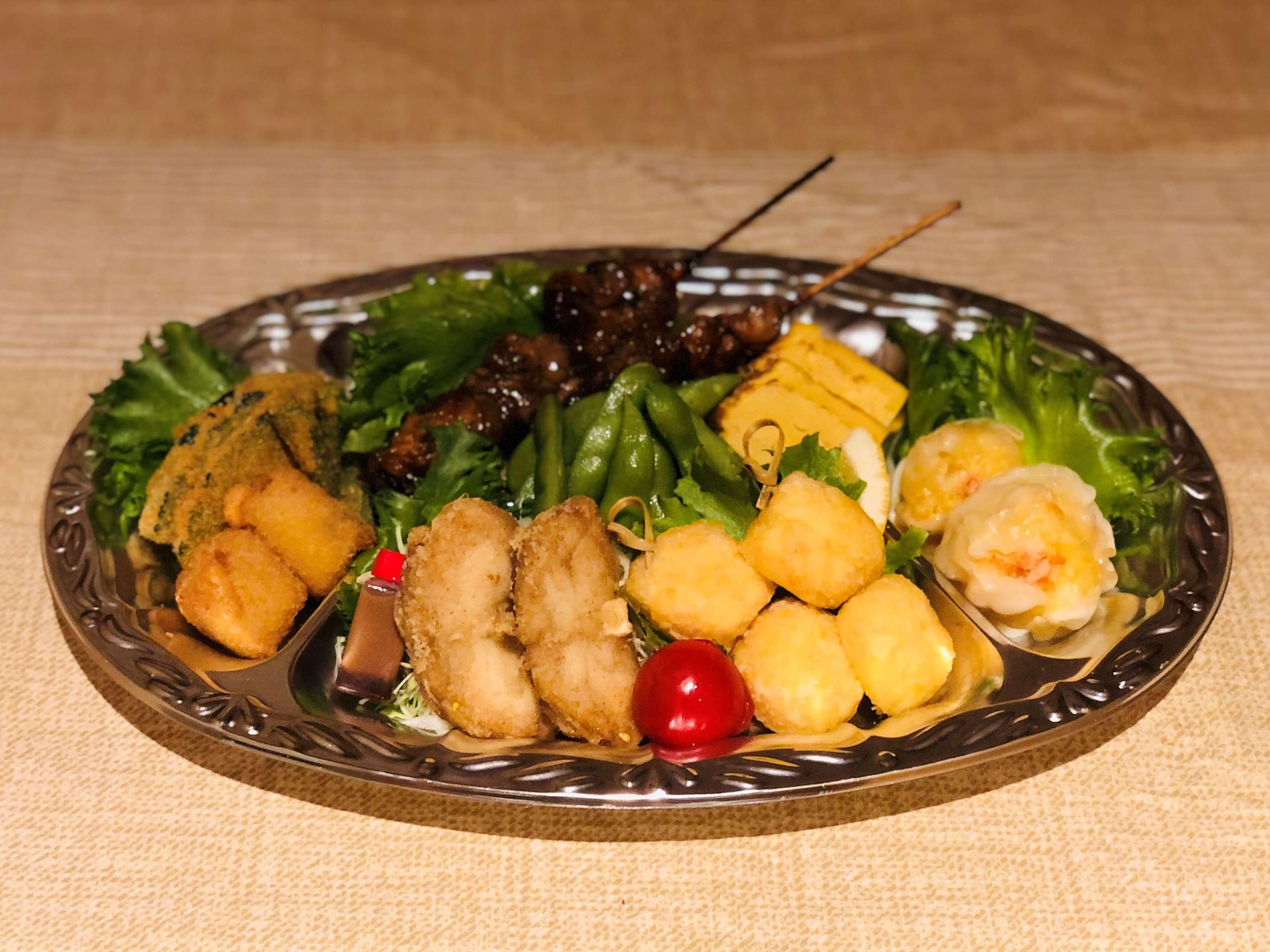 野菜フライ、海鮮クリームコロッケ、うなぎの肝串、枝豆、厚焼き玉子、海鮮シューマイ、ふぐ唐揚げ、海老しんじょう
