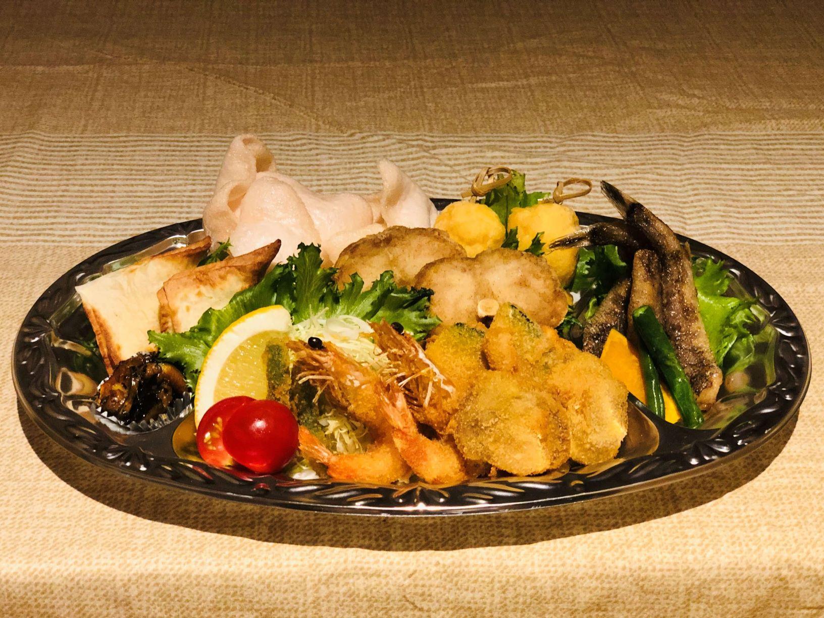 フライ(海老・帆立・穴子・クリームコロッケ)、チーズの鱈包み焼、うなぎ佃煮、海老せんべい、ふぐ唐揚げ、海老しんじょう、メヒカリ唐揚げ